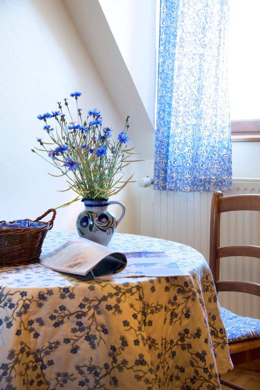 table chambre bleuet