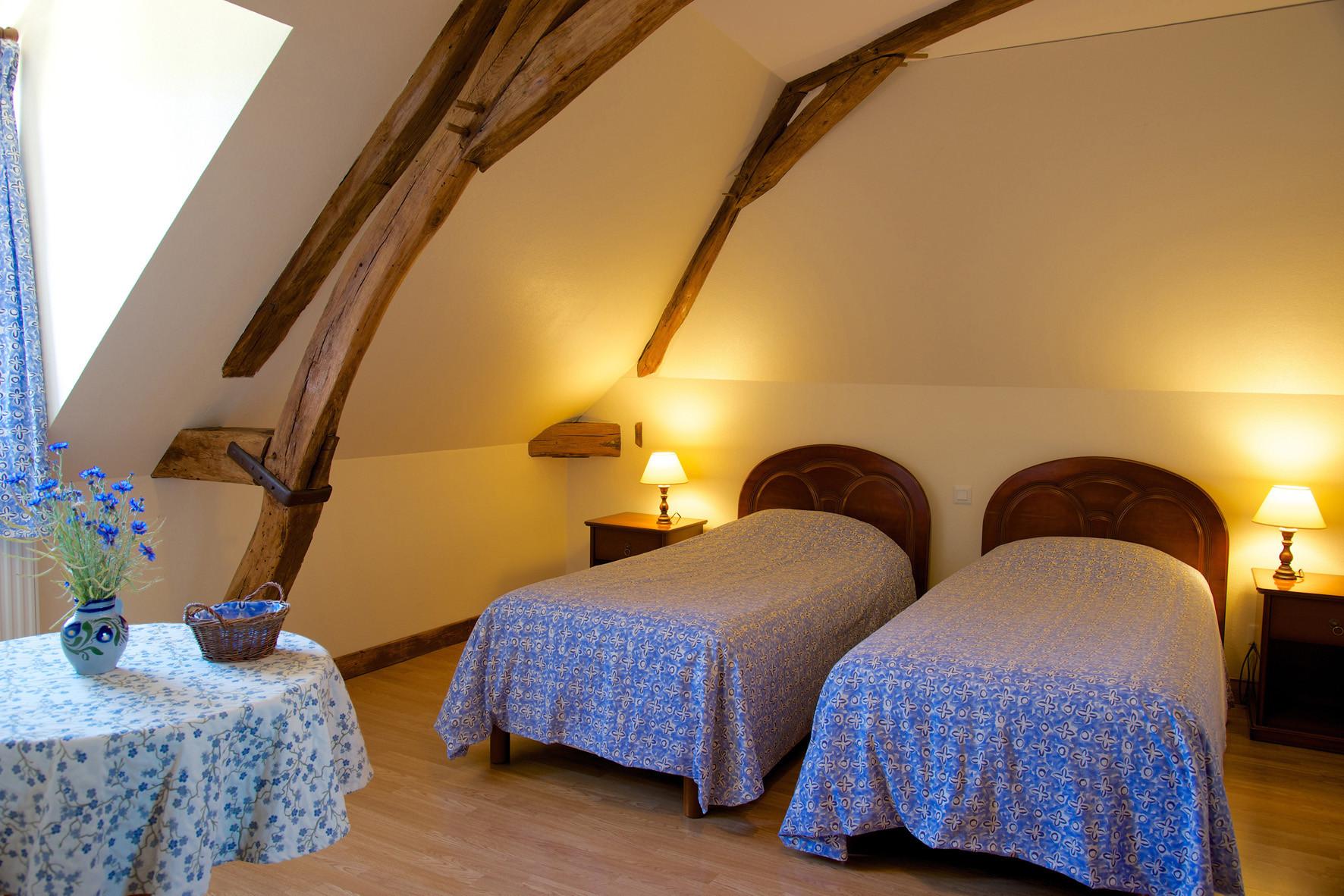 2 lits dans la chambre Bleuet