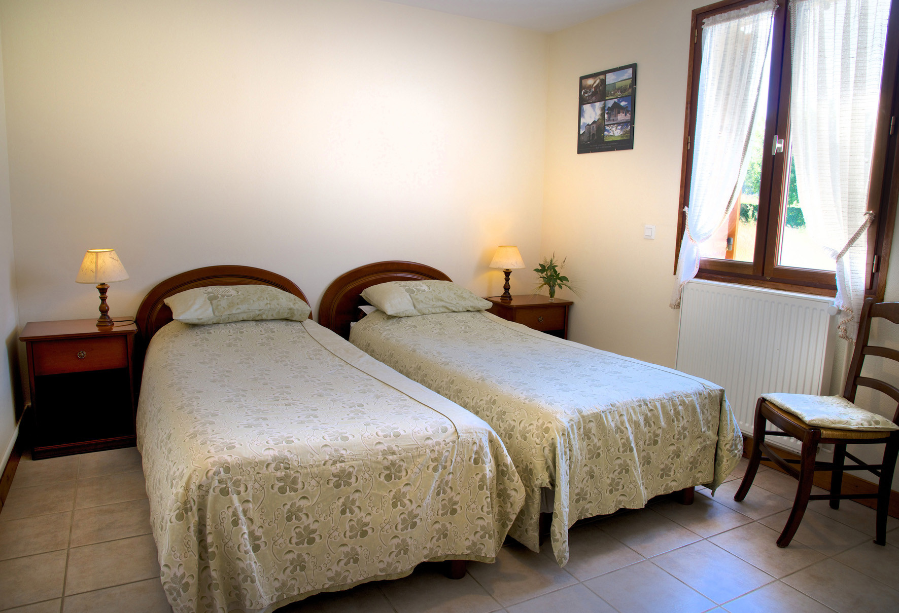 """chambre """"Amarante"""" au rez de chaussée"""