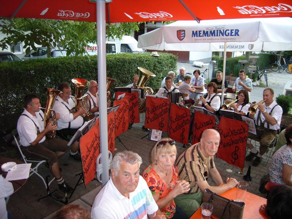 Finningen Gasthof Kreuz - Biergartenfest