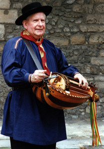 Gaston RIVIERE (Célèbre vielleux, cornemuseux & multi instrumentiste)
