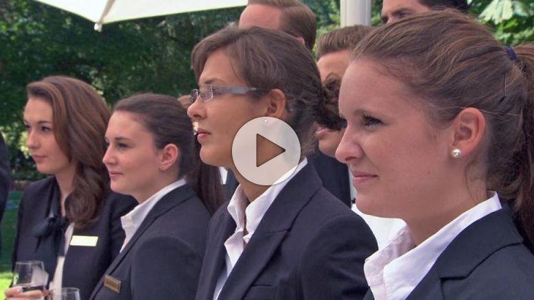 Hotel touristik job tv hotelier tv radio video for Koch gehalt ausbildung