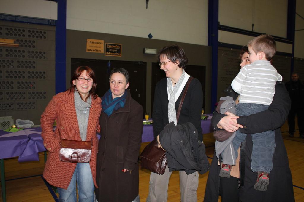Laura, Florence (notre webmaster de gouvy.be) et Véronique Léonard Échevine de Gouvy