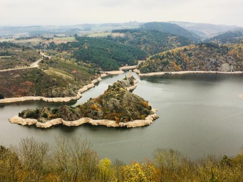 Barrage de Grangent en automne