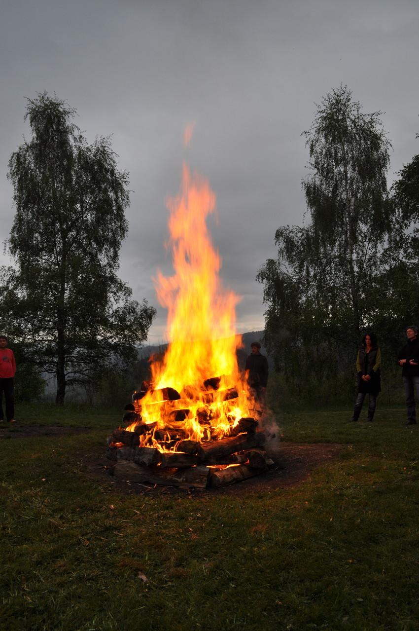 Feuerrituale sind so alt wie die Menschheit selbst!