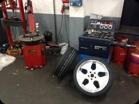 Räderwechsel selber machen, Reifen montieren im Motodrom