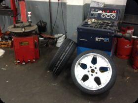 Reifenmontage und Verkauf von PKW Reifen und Felgen