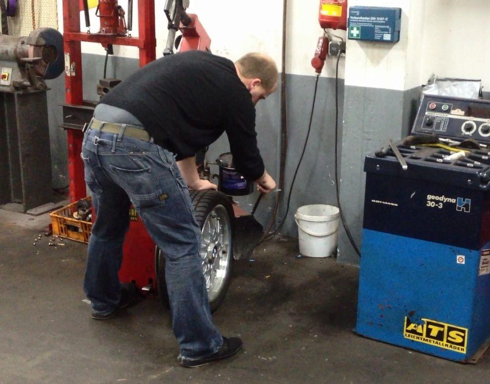 Reifen wuchten, Reifenmontage