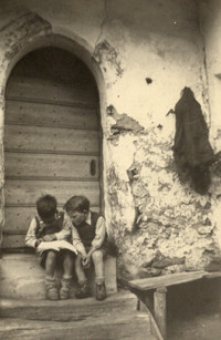 Eduard und Herbert beim studieren
