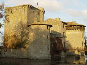 la forteresse médiévale de Tennessus en automne
