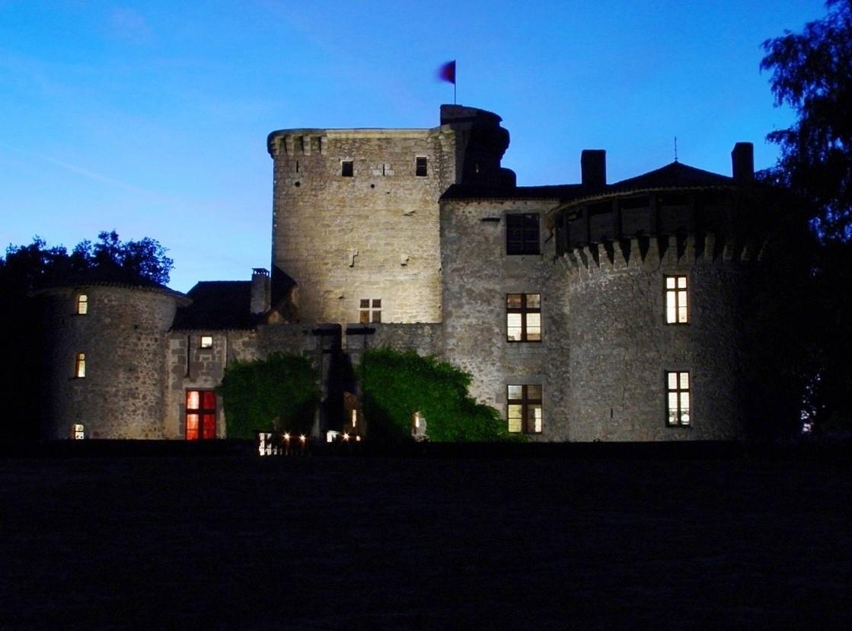 Nuit insolite en chambre d'hotes medievale de Tennessus