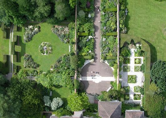 Garten von oben © Le bois des Moutiers