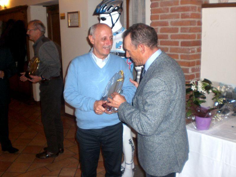 Asd VP Parolin    Pranzo Sociale 07/11/2010   Un riconoscimento a Pietro