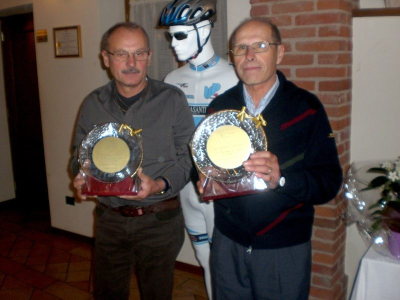 Asd VP Parolin    Pranzo Sociale 07/11/2010   Un riconoscimento a  Fiorenzo ed a  Severino