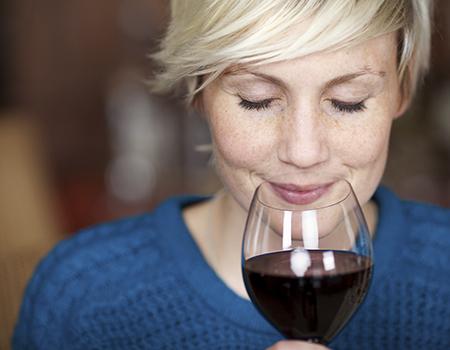 In unserem Weinhandel in Flein bei Heilbronn ist für jeden Geschmack etwas dabei. Weiß, rose oder rot – jedes Weingut hat seine Spezialitäten – wir finden den passenden Wein für Sie.