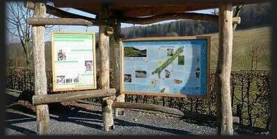 """Naturlehrtafel des Graslandpfades in """"Hellental"""""""