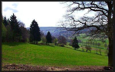 """Blick von Merxhausen aus ins weiter gelegene """"Hellental"""""""