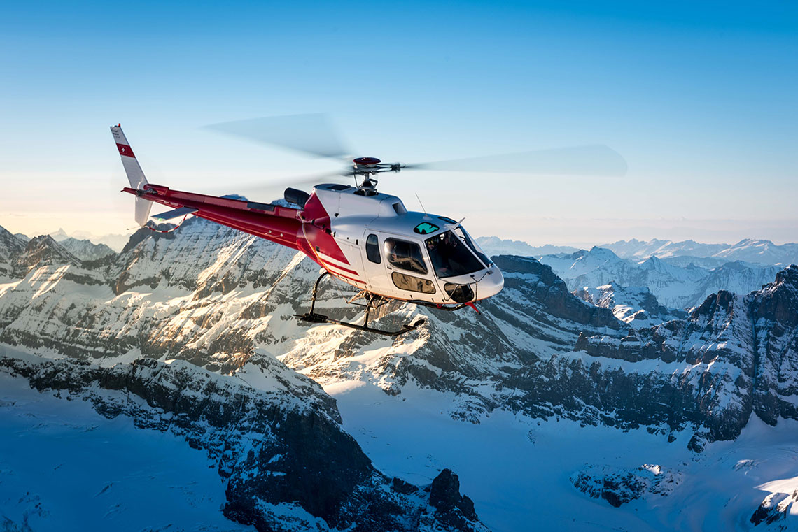 Winterwunderland Schweiz von oben entdecken
