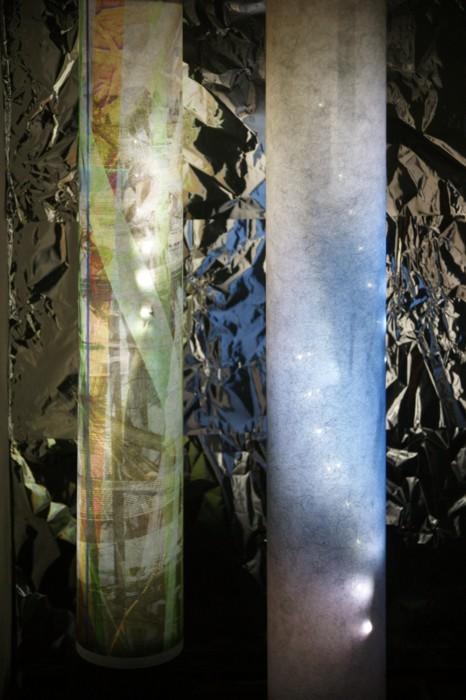 the-flow-of-time-das-murmeln-der-farben_2012-13_(version-turbine-giswil-ausschnitt)_pigmentdruck-auf-droppapier-led-kabel_13xje100x25cm(hxd-bodenfläche:ca.320x140cmbxt)