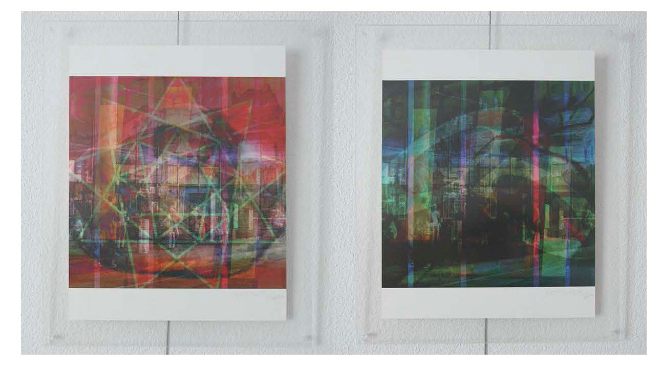 à gauche: web32x33n6, 2015. à droite: web32x33n9, 2015. tous: imprime sur canvas. 42 cm x 33 cm chaqu'un