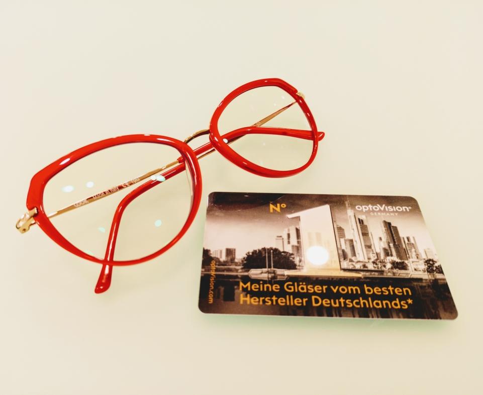 Montatura Look (totalmente made in Italy) e lenti progressive Optovision fotocromatiche