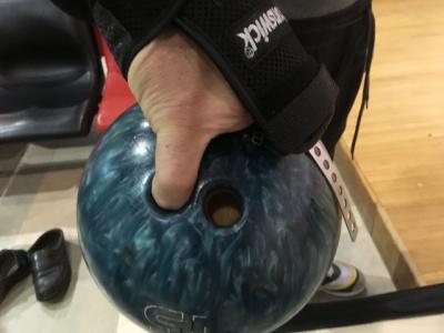 この試作機は実際に投球するに至った。 本人感覚では、 ⅠⅤ指のみでの投球と リストジェネレーター装着での投球