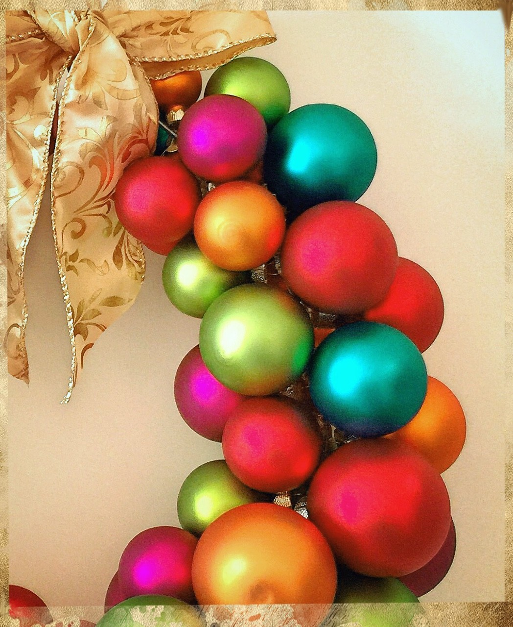 Weihnachtskugeln, Kranz, Advent, Schleife, moderne Deko