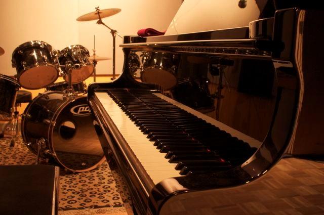 Yamaha C6 Studio piano