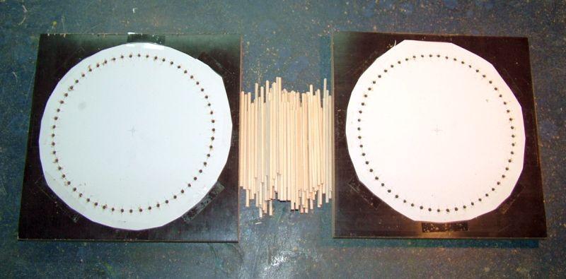 Holzplatten nach dem Bohren den 3mm Löcher