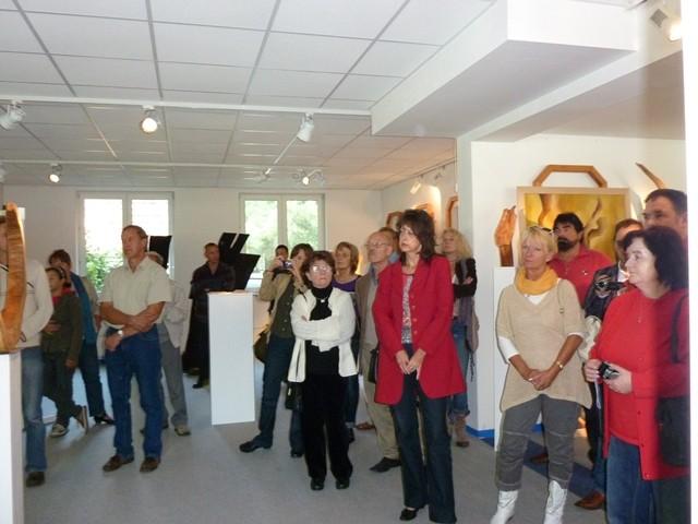 Publikum bei der Eröffnung der Kunstmeile in der Fresh Art Gallery
