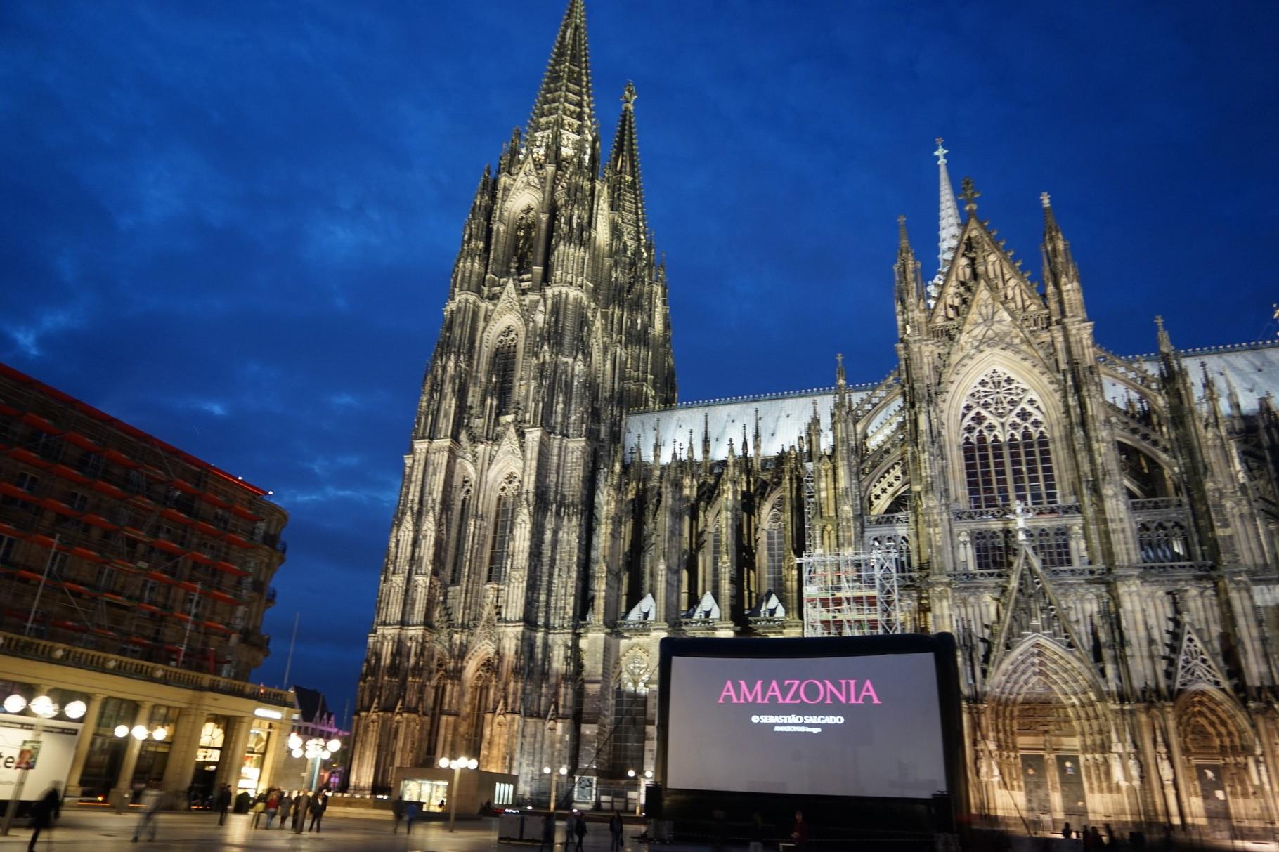 EVENTS - WWF lädt zum AMAZONASTAG nach Köln, Installation eines In-&Outdoor-Kinos, 2015, Köln