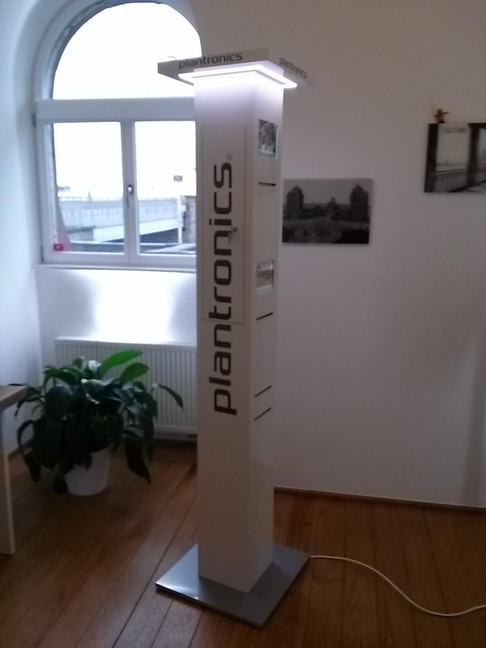 MESSEBAU - Plantronics, Entwicklung und Umsetzung von multimedialem DISPLAYBAU, 2016