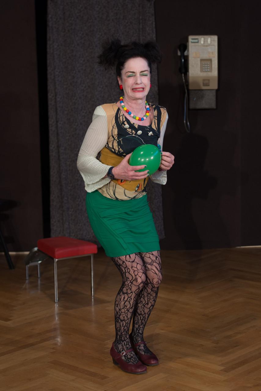 Ulrike Seidt als Dolly Hamma