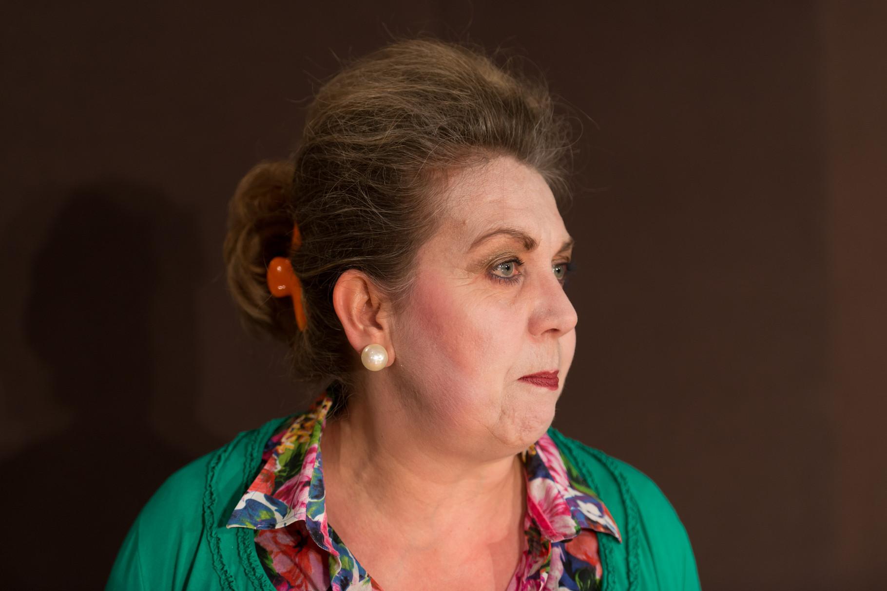 Susanne Stolper als Eva Temple