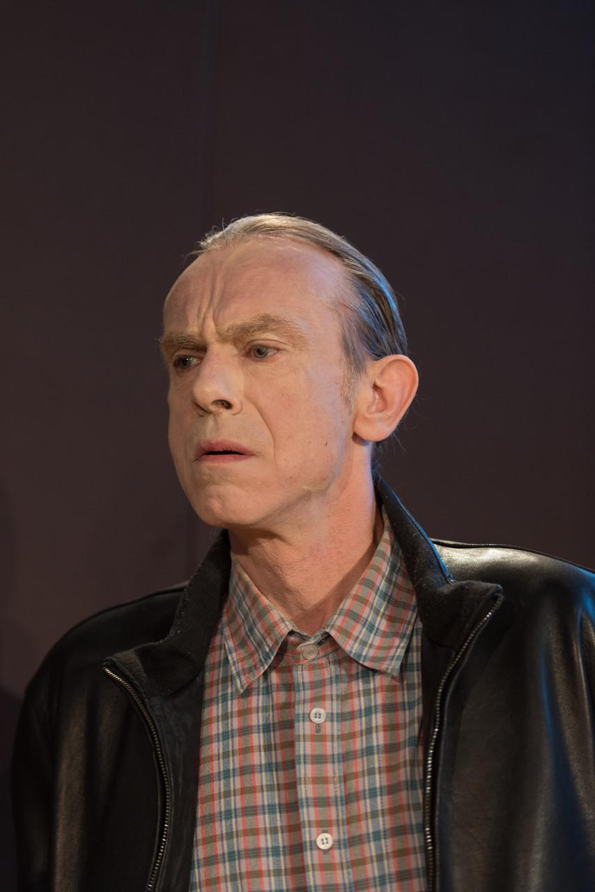 Steffen Mende als Jabe Torrance