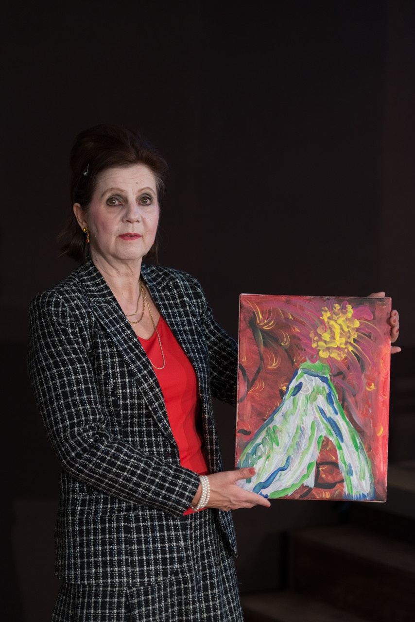 Monika Bauer als Vee Talbot