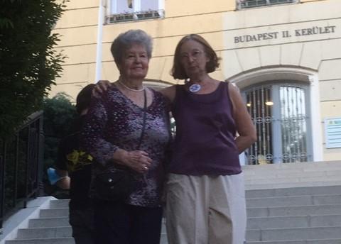 Budapest - Dr. Timár Zsuzsa a 91 éves szenior örömtáncosával, Magdikával