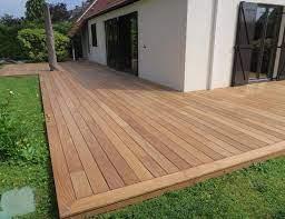 Peindre ou saturer une terrasse en bois ?