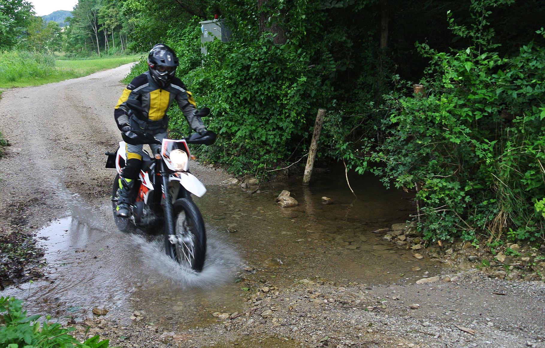 KTM 690 Enduro R Test - Wolfs private Website über Motorräder und Reisen