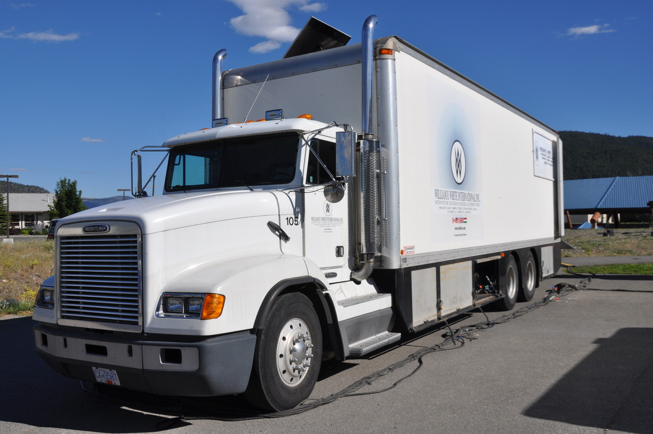Lastwagen für u.a. die Stromversorgung