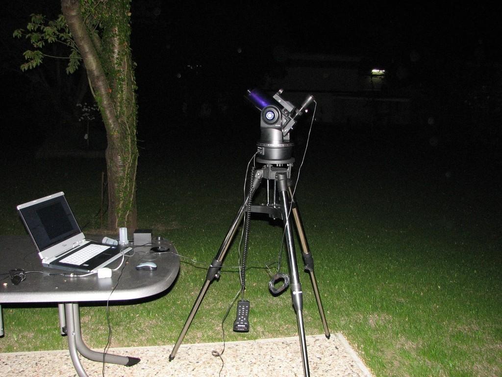 Meade ETX-90 PE in azimutaler Ausrichtung bei Planetenaufnahme mit Webcam.