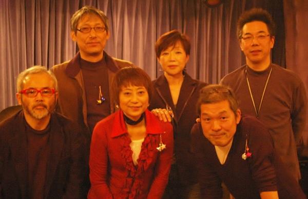 4年間ソウルドレッシングのライブに、皆勤賞のお客様と記念撮影です。(2012.12.22 Crop)