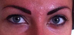 Retouche en dermopigmentation après