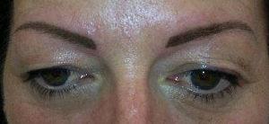 Maquillage permanent des sourcils aprés