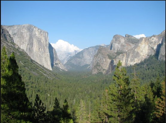 El Capitan (on the left) in Yosemite NP. Photo by: Boogie