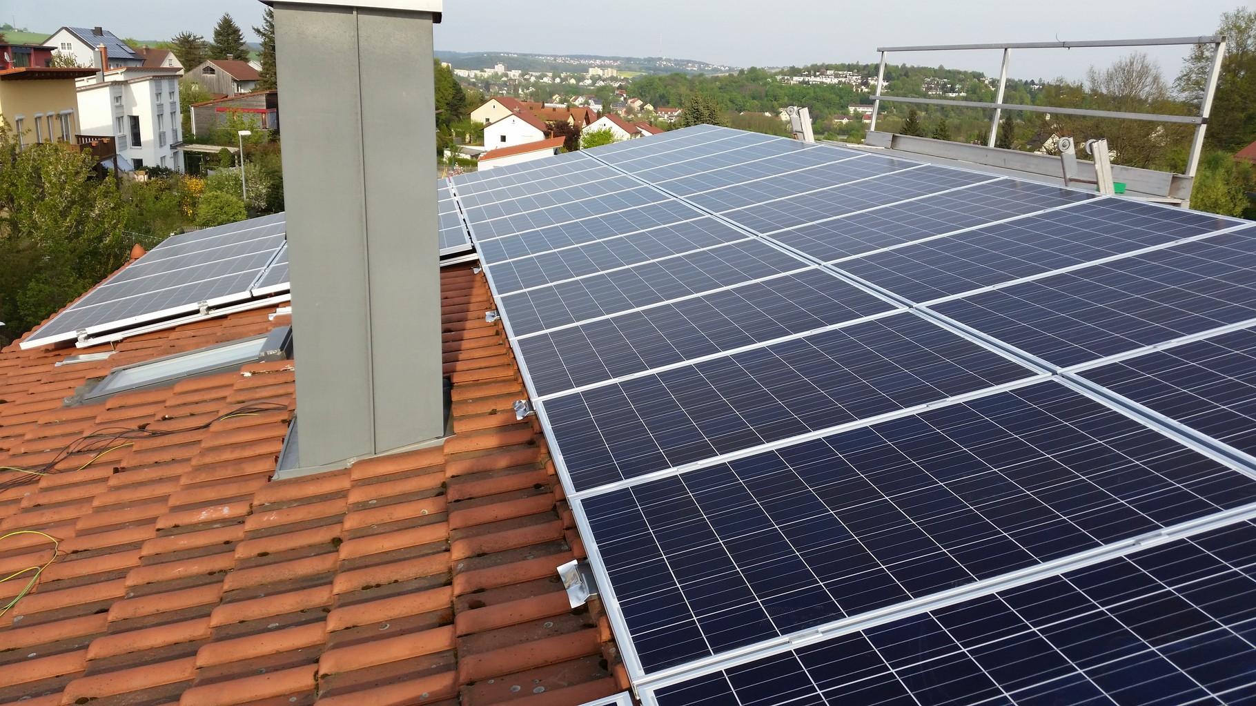 10 kWp Photovoltaikanlage 93138 Lappersdorf SHARP Modulen