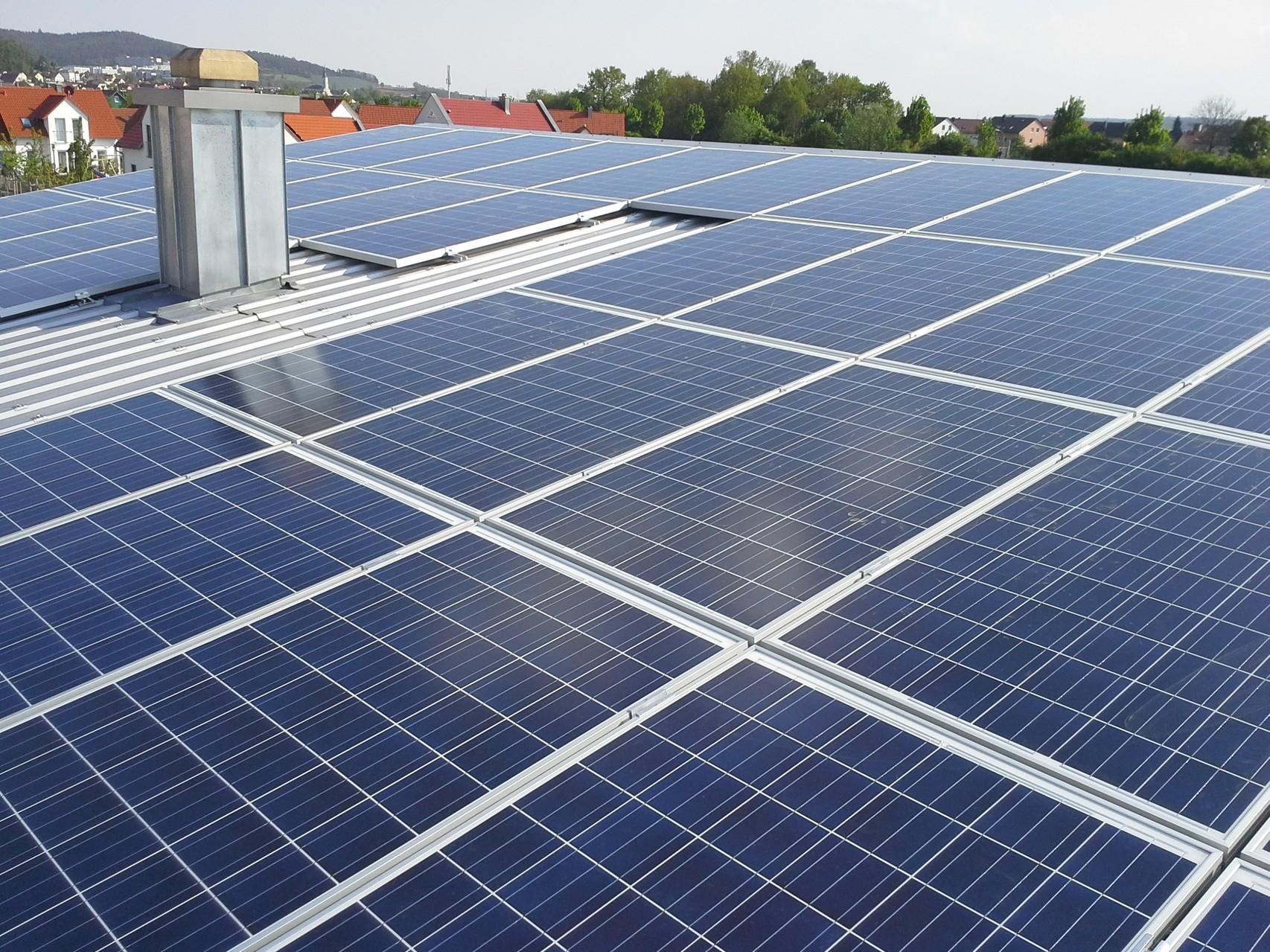 9,69 kWp in 93128 Regenstauf Solarwatt Glas/Glas Modul