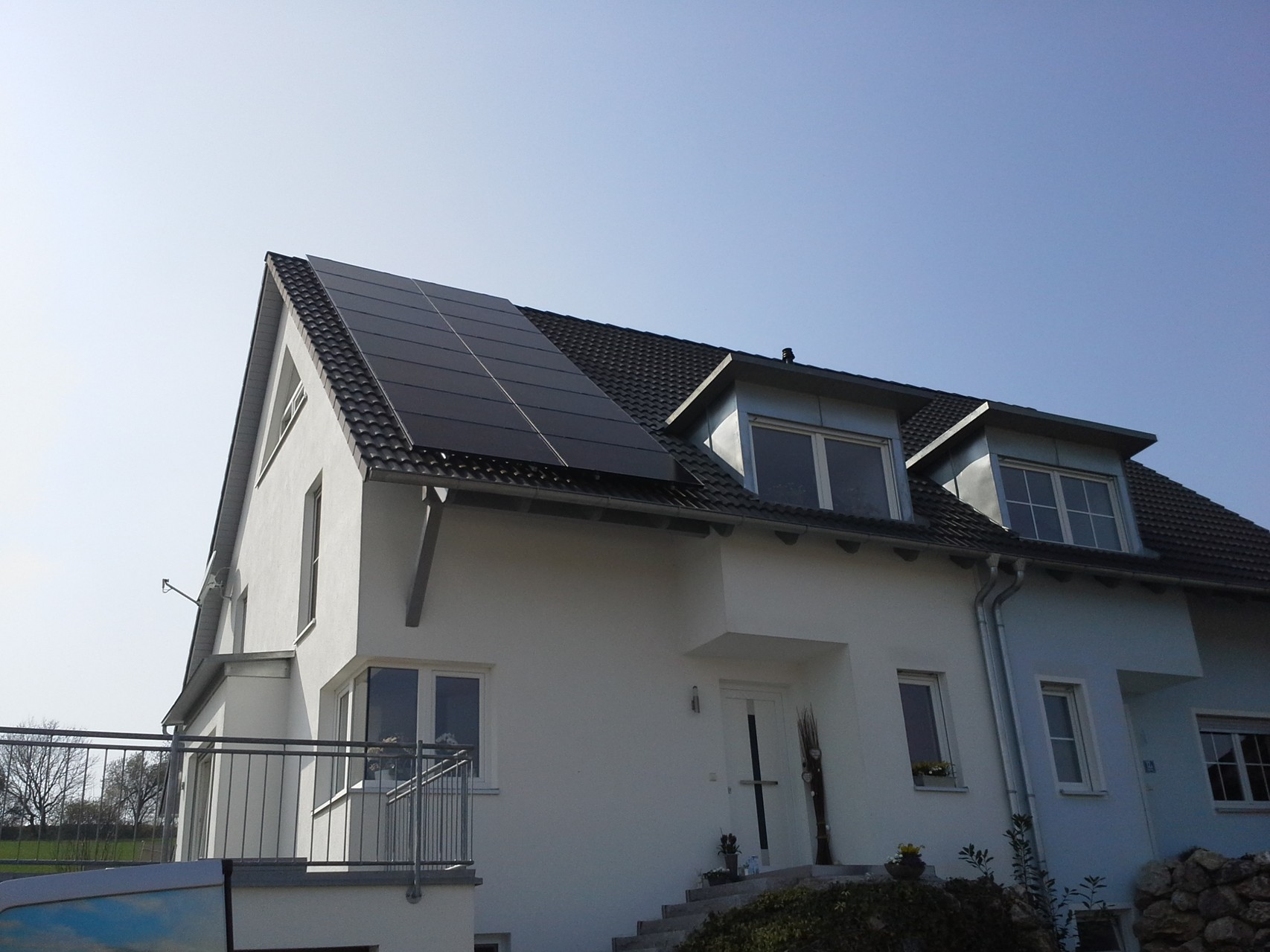 9,31kWp in 93356 Teugn SHARP Black