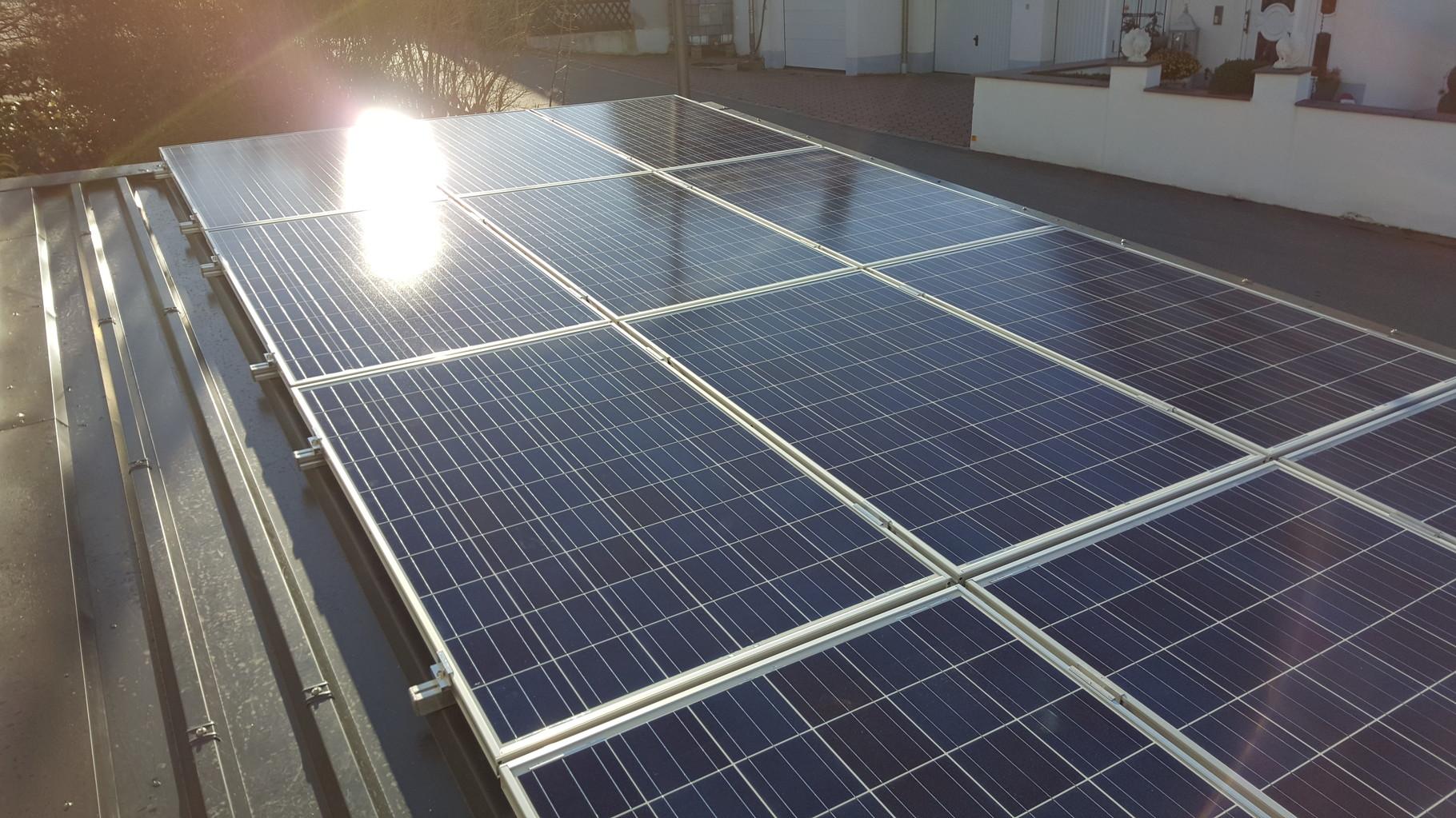 3 kWp Photovoltaikanlage mit Sharp Module  Bad Abbach