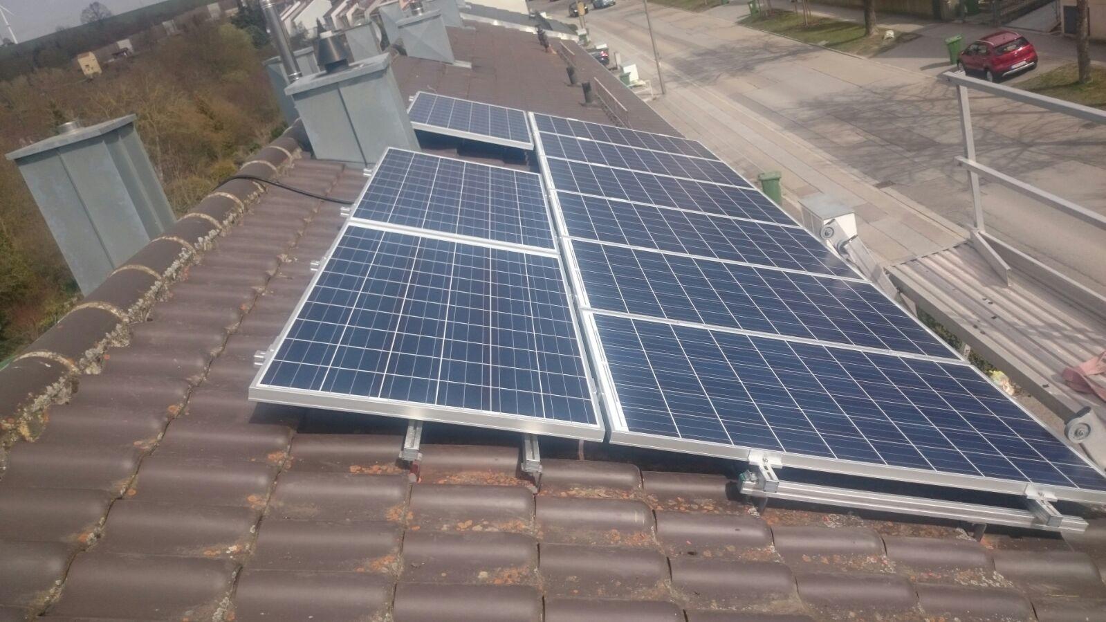 5,46 kWp Photovoltaikanlage mit Solarwatt Glas/Glas Module 30 Jahre Garantie mit Samsung Speicher in Regensburg
